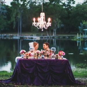 chandeliers insta photo