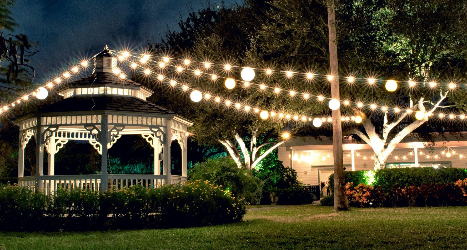 Tampa lights tampa lights is a professional and affordable lighting company we specialize in creating elegant lighting displays and designs arubaitofo Gallery
